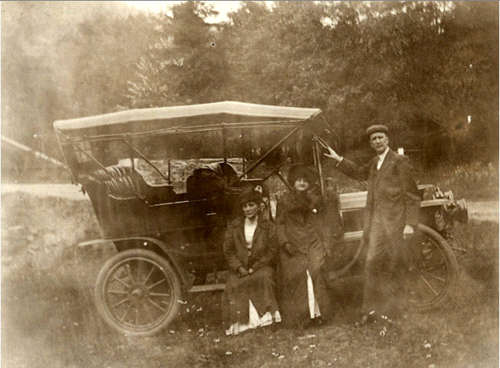 A. J. Brass, Mrs. Smetten and L.P.B. at Jack's Hollow Bridge, June 1911