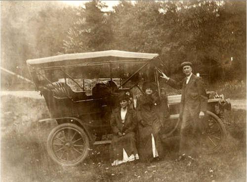 A. J. Brass, Mrs. Smetten and L.P.B. at Jack's Hollow Bridge, June 1911